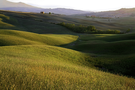 photo of Tuscan fields at sunset.© J. Hulsey painting workshops in Italy