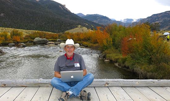 Photograph of John Hulsey blogging at Torrey Canyon, Wyoming