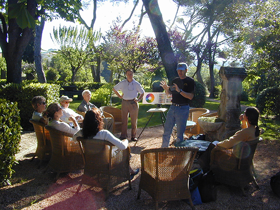 Teaching in the garden.photo© A. Trusty