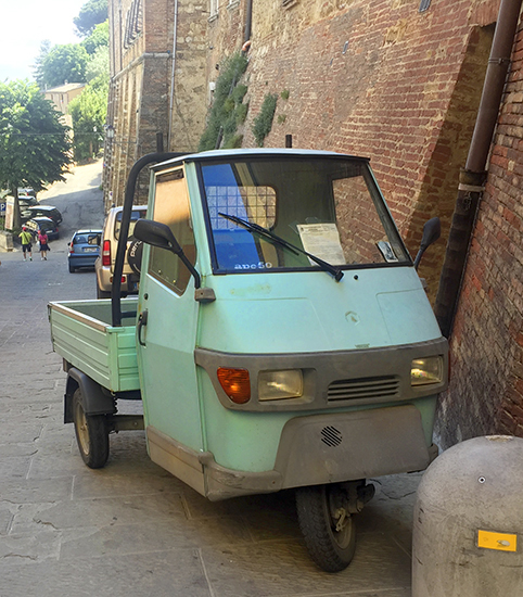 photo of an Italian Ape 50 in Montepulciano, © J. Hulsey