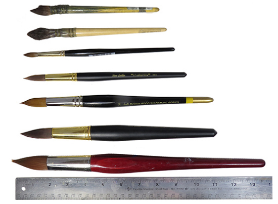 Photo of watercolor round brushes